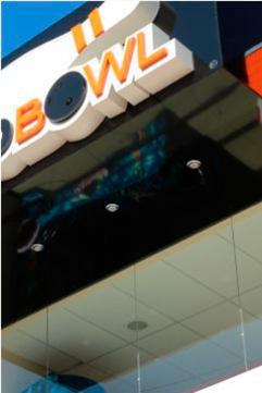 Painel em ACM com Iluminação Externa e Interna - Macrobowl Boliche - Jaboti PR